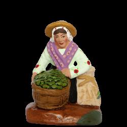 Femme olives à genoux 7 cm